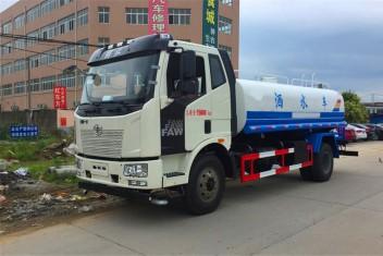 (8-12吨)解放J6洒水车