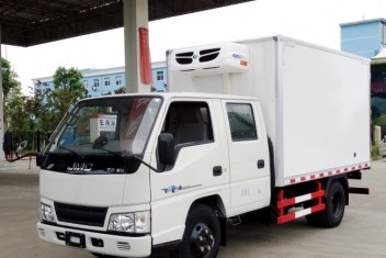 江铃顺达双排冷藏车(蓝牌,厢长3.2米)